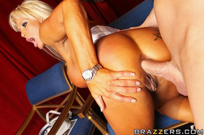 Blonde Milf Is Pleased To Find Out That He Will Be Performing