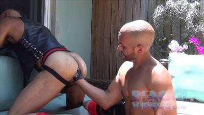 Leather balls (Antonio Biaggi, Tripp Fist)