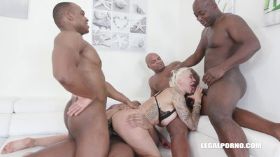 Mini Gangbang for Mila Milan