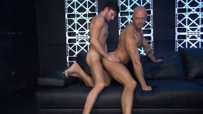 Jessie Colter takes Scott DeMarco's raw cock and load (2017)