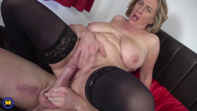 Naughty British housewife has hot date after doing