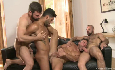 Description Athletic Males In Hard Orgy