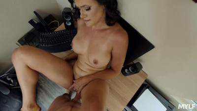 Penny Barber – Perfect Roommate For The Job