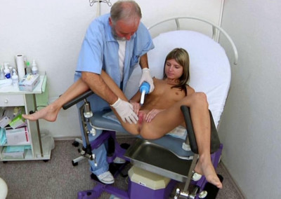 Sexy Gina Gerson in gyno exam