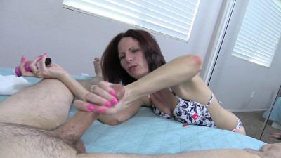 Chews on her feet, her sweaty