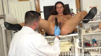 Old pussy exam of horny MILF Winnie Helenka