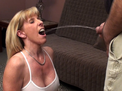 Carol Cox – A Quick Fuck With A Member – HD 720p