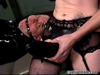 Berlin and Bondage Toy The Fisting