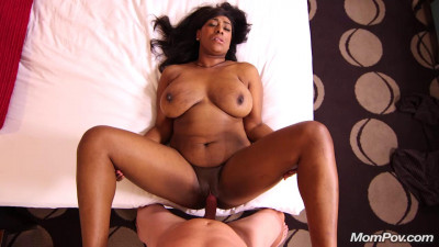 Big natural tits Ebony MILF