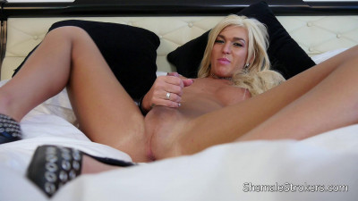 Description SheMaleStrokers Aubrey Kate Yummy Trans Girl Wants To Make You Scream and Cream!