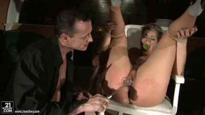 Cat woman gets punished — Catwoman