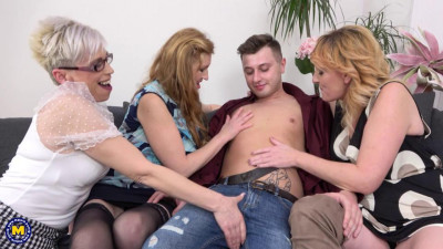 Description One lucky young guy fucking three hot mature ladies at once