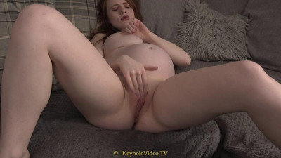 pregnant redhead masturbate on sofa