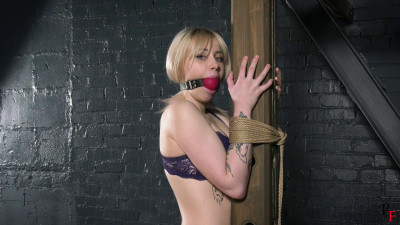 HD Bdsm Sex Videos Tickling feet and upper body