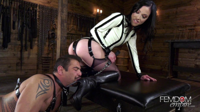 Diana Grace - Boot Groveling Bitch