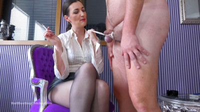 Description Ballbustingchicks - Victoria Valente - Furious Face Slapping - pt 2