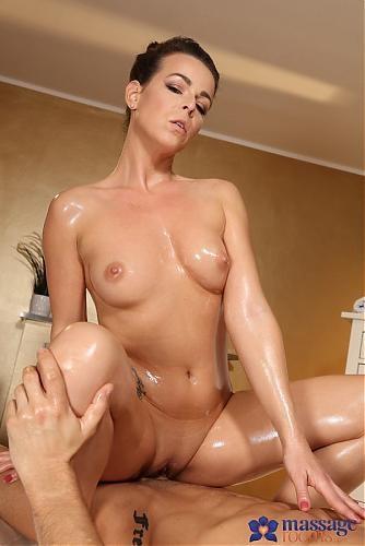 Caroline Ardolino – Hot Milf Rides Young Guys Big Dick FullHD 1080p