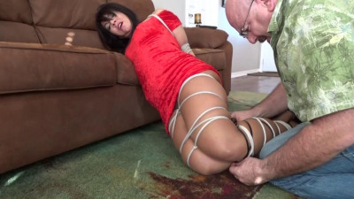 Help! He had a heart attack while i was tied up