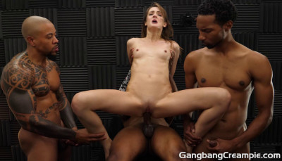 Description Zoe Sparx Likes GangBang With Creampie