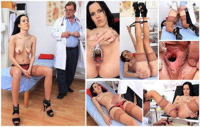 Luisa (25 years girls gyno exam)
