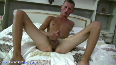 Description Sexy Cute Gay Twinks part 2