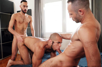 Hot Threesome Louis, Vadim Romanov & Fostter Riviera (720p)