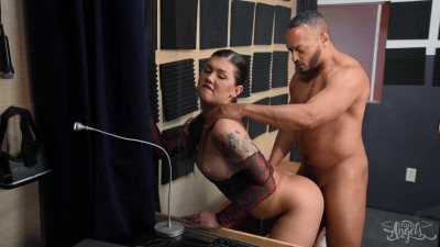 Daisy Taylor – Blowing Her While She Blows FullHD 1080p