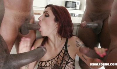 Interracail Double Fuck Orgy For Beautiful Slut