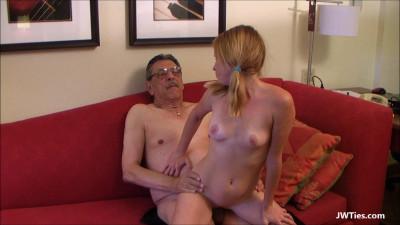 Alyssa Loves Her Grandpa (Alyssa Hart)