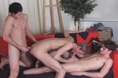 Bareback Sex At Game Room