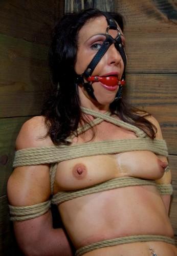 Sweat Wenona in BDSM