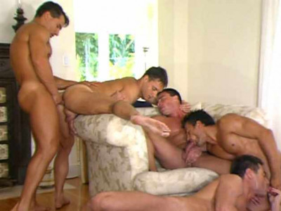 Amazing Muscle Fuckers In Orgy