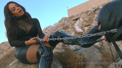 Description PRINCESS_CARMELA_-_GROVEL_IN_THE_GRAVEL