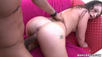 Nikki likes big Black Cocks