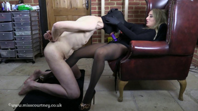 Mistress Courtney's Fetish Lair – Suck and Fuck for Mistress