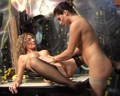 Crazy lesbo scene
