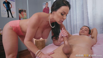 Kendra Lust - Mommy Meets A Teen Idol FullHD 1080p