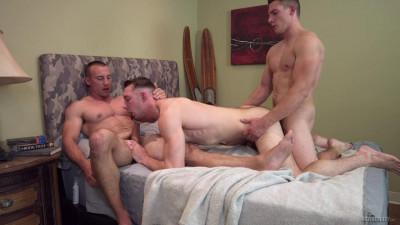 Bareback Threesome – Marc Montana, Spencer Laval & Johnny B