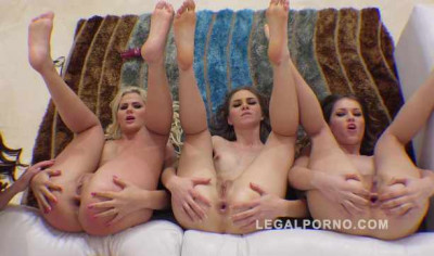 Description Anal party with lesbian kreme farting assholes