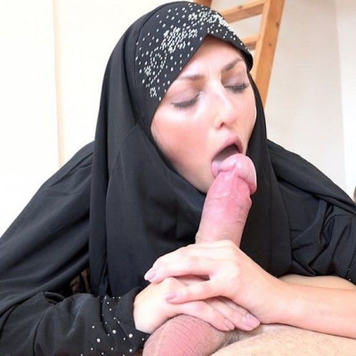 Czech muslim Katy Rose is looking for housing for her family FullHD 1080p