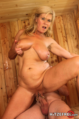 Marina Montana - Naughty sauna fun with extraterrestrial viewers