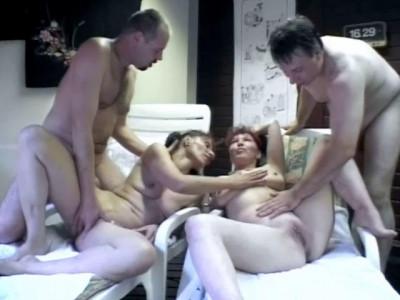 Horny Bath Action