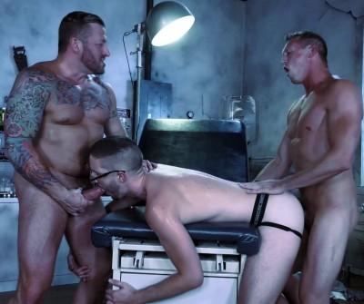 Description Hot 3some Hugh Hunter, Pierce Paris & Scotty Taylor (1080p)