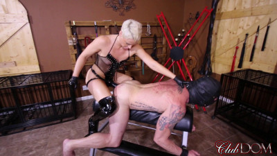 Black Strap-on Cock Fucking