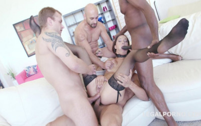 Roxy Dee Likes 4on1 Gangbang With Triple Penetration
