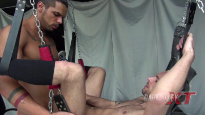 Description Gloryhole Sling-Fuck – Aitor Bravo & Lucas Fox