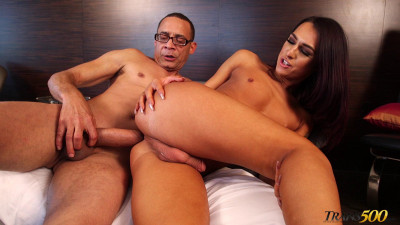 Ivana Alejo and Ramon Bareback Handyman Cocking (2019)