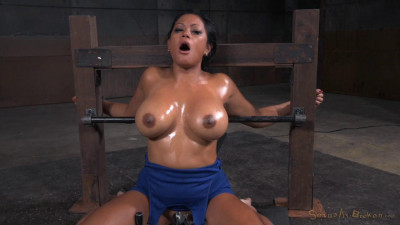 Big Breasted Milf Maxine X Throat Trained On Hard Cock Vibrated Multiple Orgasms (2015)