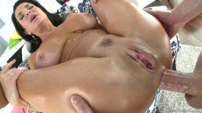 Cock-hungry MILF Veronica Avluv