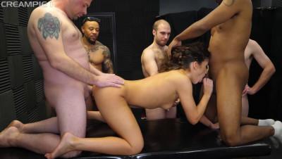 Victoria Voxxx Enjoys Creampie Orgy